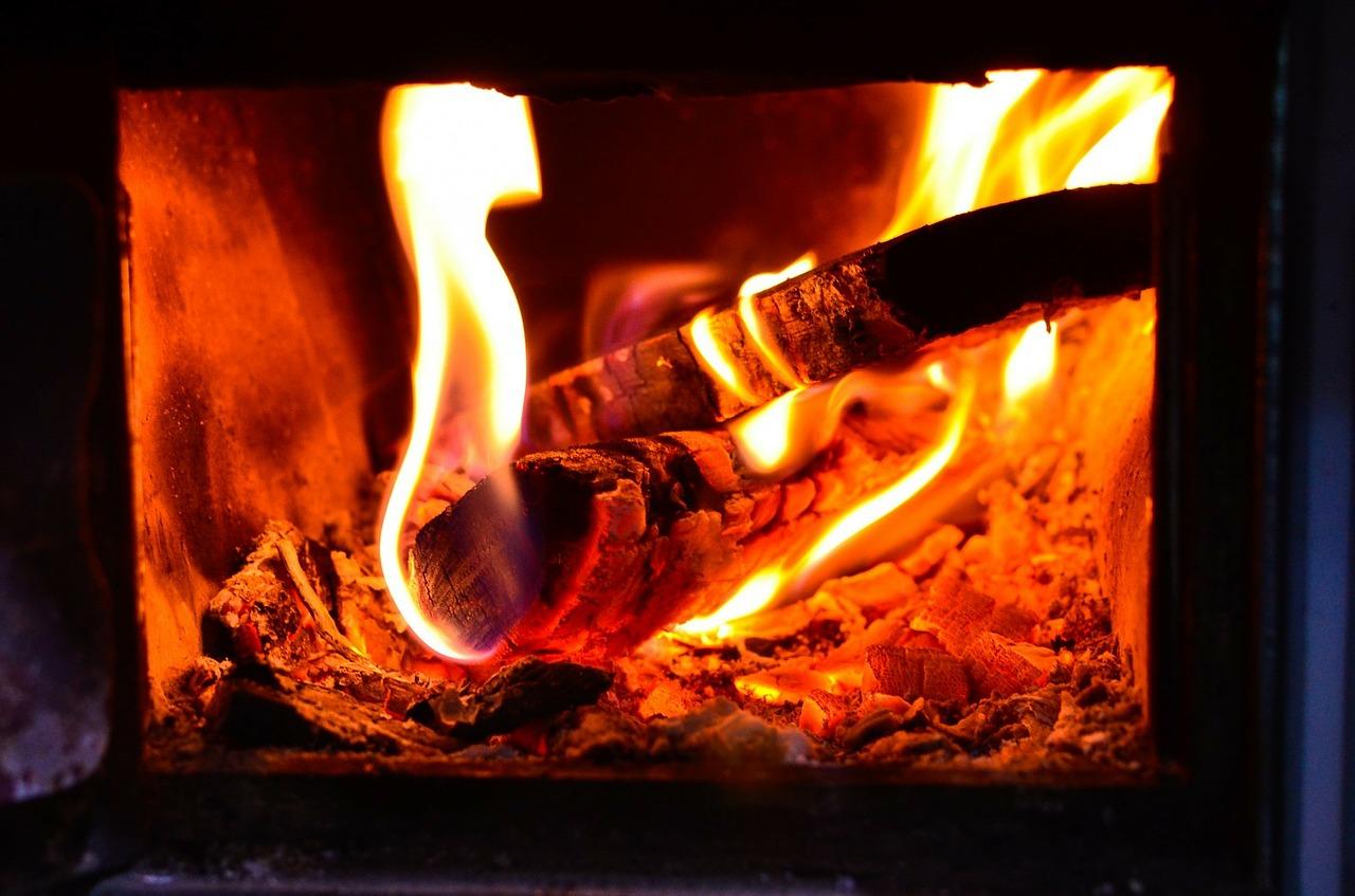 Le chauffage au bois est-il plus écologique que le chauffage au gaz ?